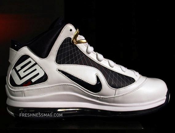 Nike Air Max LeBron - White/Navy/Gold