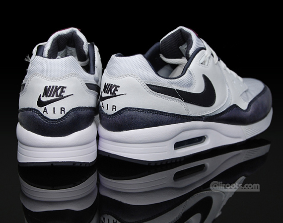 Nike Air Max Light - Cracked Leather