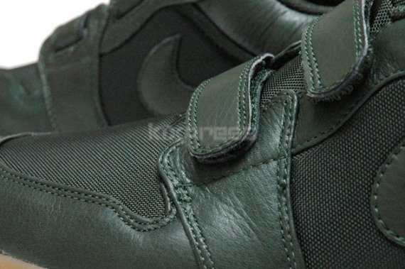 Jordan I (1) Low Velcro - Dark Army