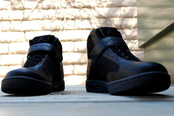Jordan Blase Mid - Black / Anthracite