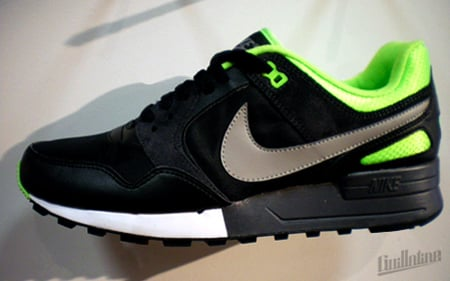Nike Sportswear Air Pegasus - Electric Green