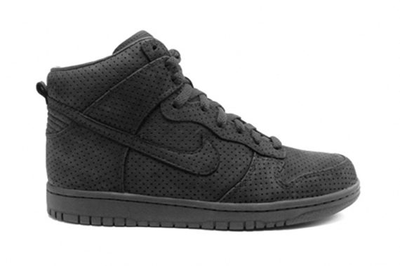 DQM x Nike Dunk High Hyperstrike - Black / Black
