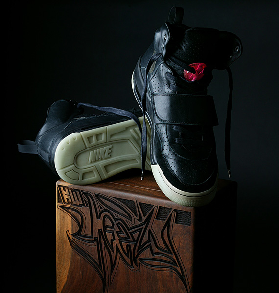 Nike Sportswear Air Yeezy Grammy - Doernbecher Charity Auction