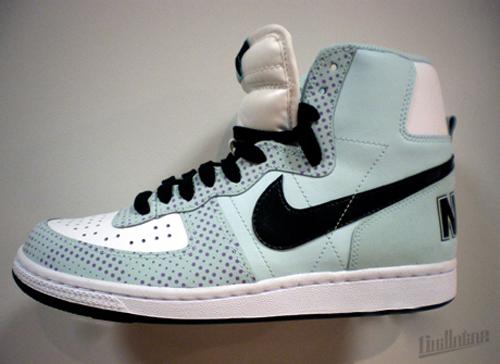 Nike-Spring-2010-Terminator-01