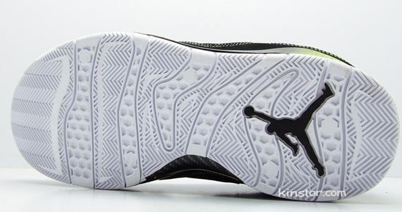 Air Jordan Hallowed Ground - Black / Volt