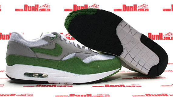 Patta x Nike Air Max 1 Premium QS Holiday 2009 | SneakerFiles