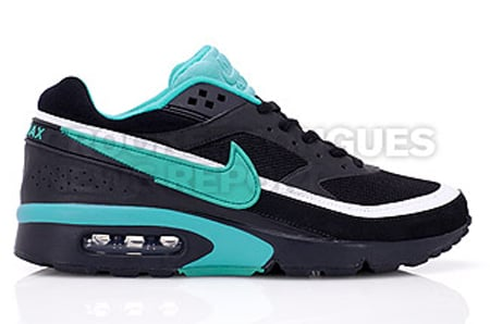 pretty nice ed729 0d532 ... Nike Air Max Classic BW Womens - Black Emerald Green ...