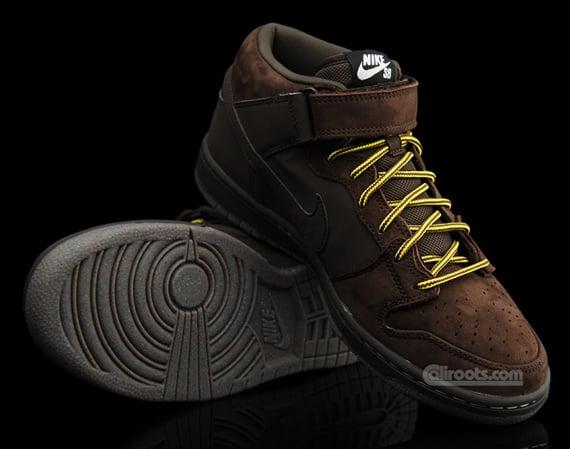 Nike SB Dunk Mid Premium - November 2009