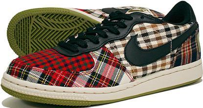 NikeWPlaid1