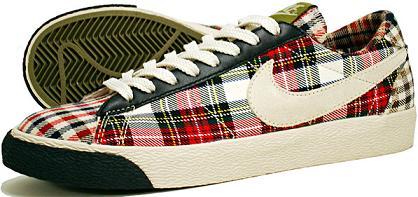 NikeWPlaid2