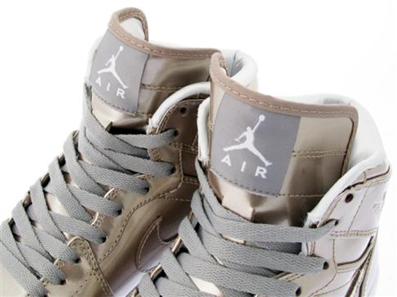 Air Jordan I (1) Retro High Patent - November 2009