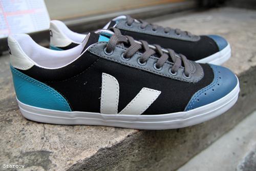 cyclope-veja-footwear-sneakers-tshirt-3