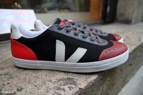 cyclope-veja-footwear-sneakers-tshirt-6