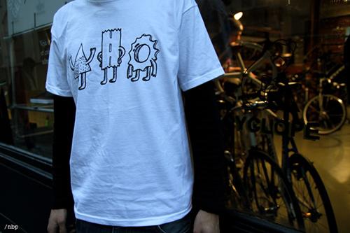 cyclope-veja-footwear-sneakers-tshirt-9