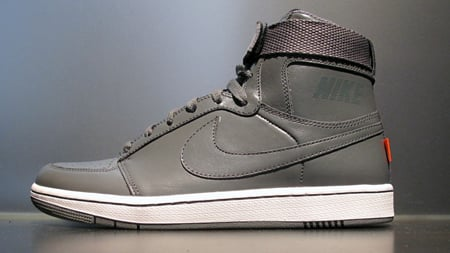 Nike Dynasty High LE Quickstrike - November 2009