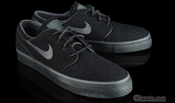 b46ae4c6b275 Nike SB Zoom Stefan Janoski Black Wool