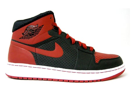Air Jordan I (1) Alpha - Bred Detailed Look