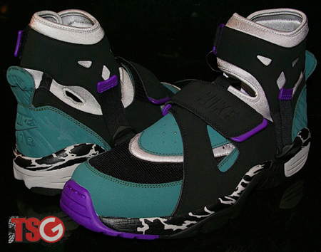 Nike Air Carnivore Retro - 2010 Preview