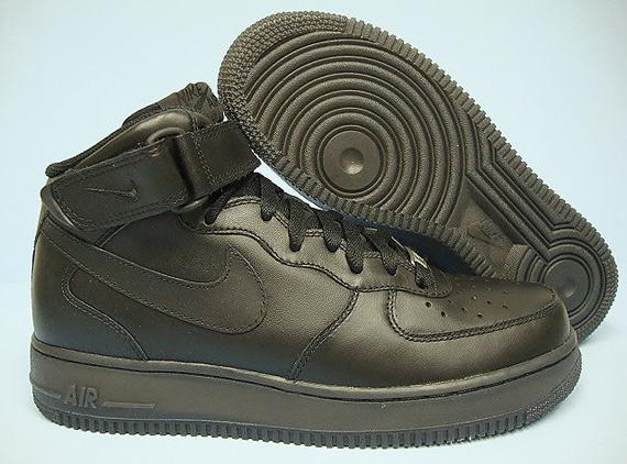 Nike Air Force 1 '07 Mid - Black / Black