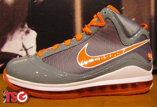 nike-air-max-lebron-vii-grey-orange-3