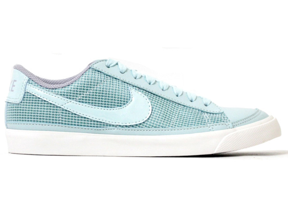 Nike Blazer Low 09 Women's - December 2009
