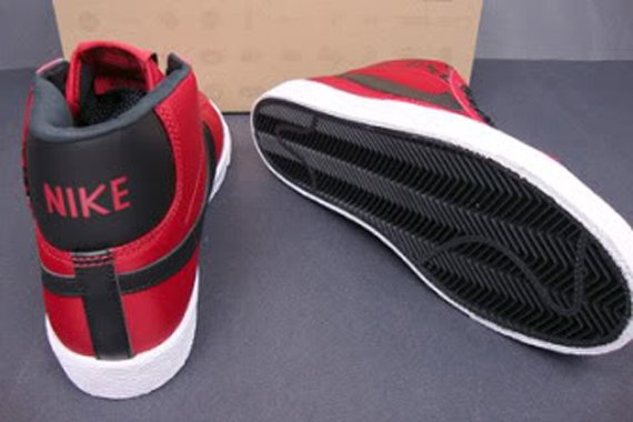 Nike Blazer High - Beet / Black - White