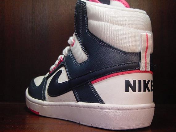 Nike Delta Lite Mid Women's - December 2009