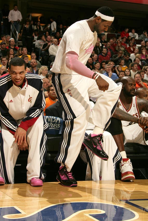 On Court: LBJ in Think Pink Nike Air Max LeBron VII