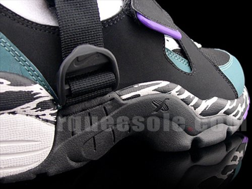 Nike Air Carnivore Black Purple Sea Blue 2010 Retro Preview ... 9d669f3038fe