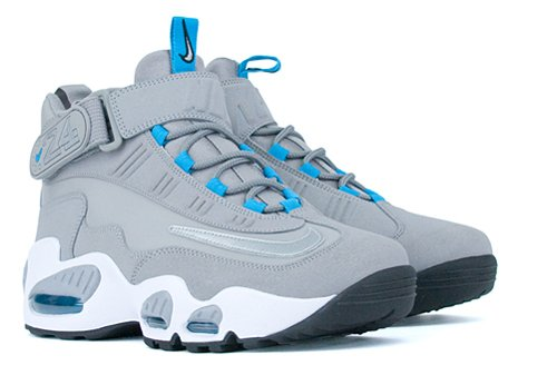 official photos 003fa 197e5 Back in December, Nike Air Max Griffey 1 enthusiasts rejoiced at the news  of yet another pair- this time in a grey marina blue-white colorway.