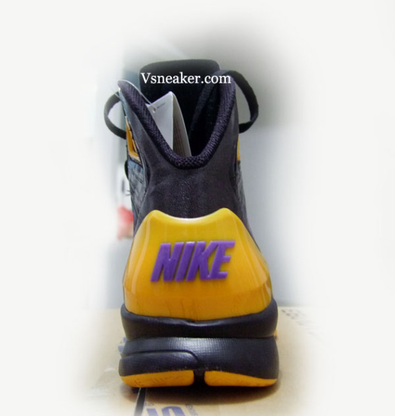 Nike Hyperdunk 2010 - L.A. Lakers Away