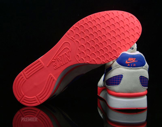 Nike Air Mariah – White / Ultramarine