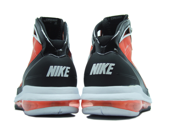 "Nike Air Max Hyperize ""Final Four"" - Orange / Black - White"
