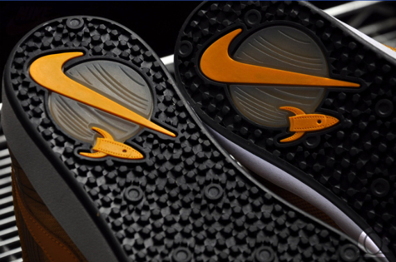 Nike SB Omar Salazar Pro Model -  Yellow Ochre / Del Sol