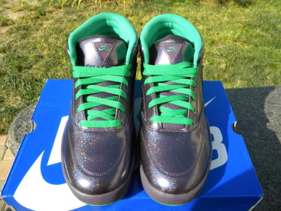 Nike SB Omar Salazar x Dinosaur Jr. – Available on eBay