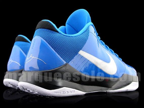 Nike Zoom Kobe V (5) - Blue / Black - White
