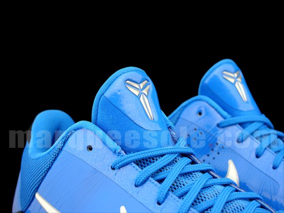 Nike Zoom Kobe V (5) - Blue / Black - White