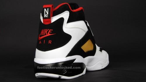 NikeDiamondTurfBriteGold3