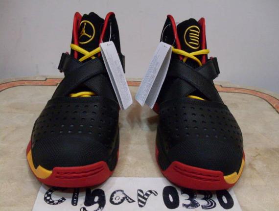 Air Jordan 2010 Outdoor Sample - Black / Maize - Red