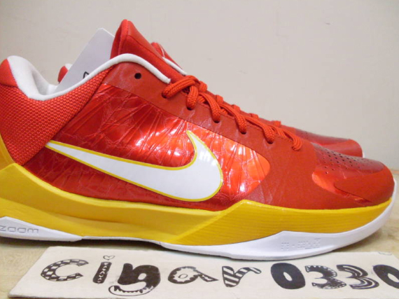 Nike Zoom Kobe V (5) Sample - Comet Red / White - Del Sol