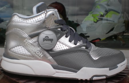 Reebok Pump Ommi Lite - Metallic Silver / Grey - White