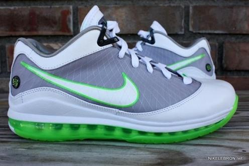 "the best attitude 10163 d2fc4 NAMLBJVIILowDunkman1. NAMLBJVIILowDunkman1. Sneakerheads nationwide  rejoiced when they got their first look at the Nike Air Max Lebron VII "" Dunkman ..."