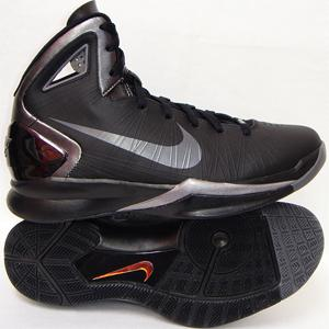 NHyperdunk2010BlackSilver1
