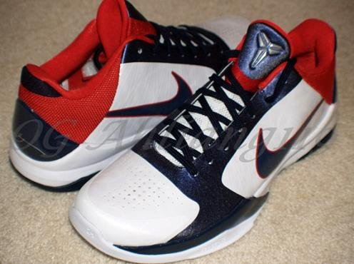 "huge selection of 6e0b5 921db I mean, it really was only a matter of time before Nike unveiled a colorway  we should ve all expected to be implemented on the Nike Zoom Kobe V- ""USA  ..."