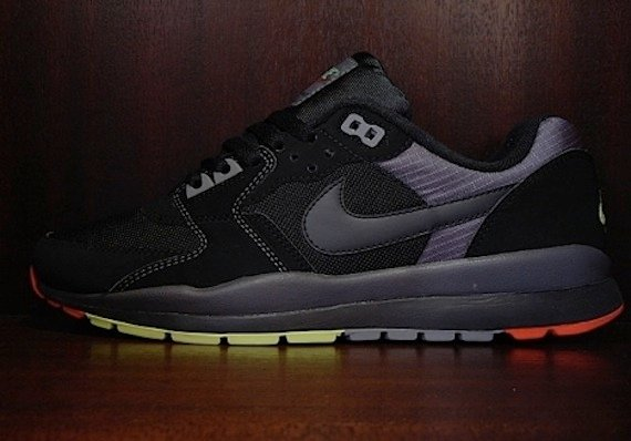 Nike Air Windrunner - Black / Red - Neon-2