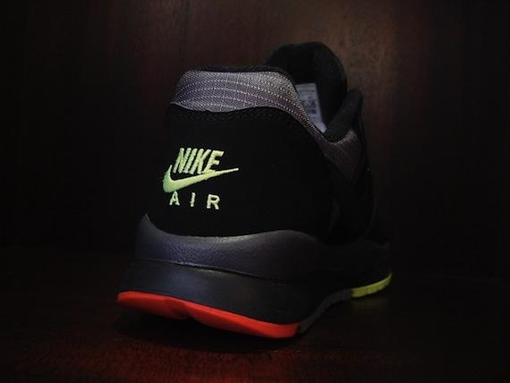 Nike Air Windrunner - Black / Red - Neon-3
