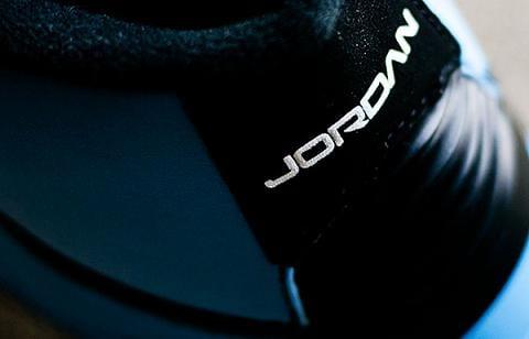 Air Jordan 2 Retro University Blue / Black