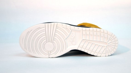 Nike Dunk High - Gold Dart/Black-Sail