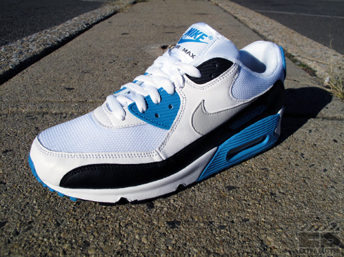 Nike Air Max 90 'Laser Blue' - New Images