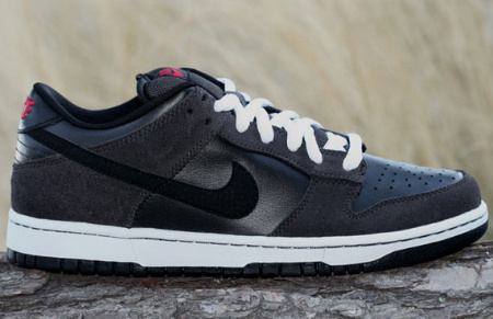 Nike SB Dunk Low - Dark Charcoal/Black